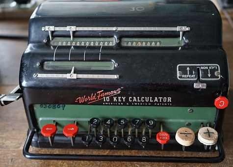 calculating-machine-931435__340.jpg